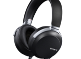 A high-end Sony headphone, MDR-Z7