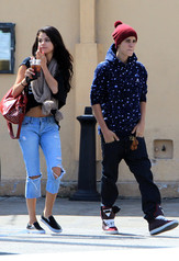 Selena Gomez and Justin Bieber still have feelings for each other