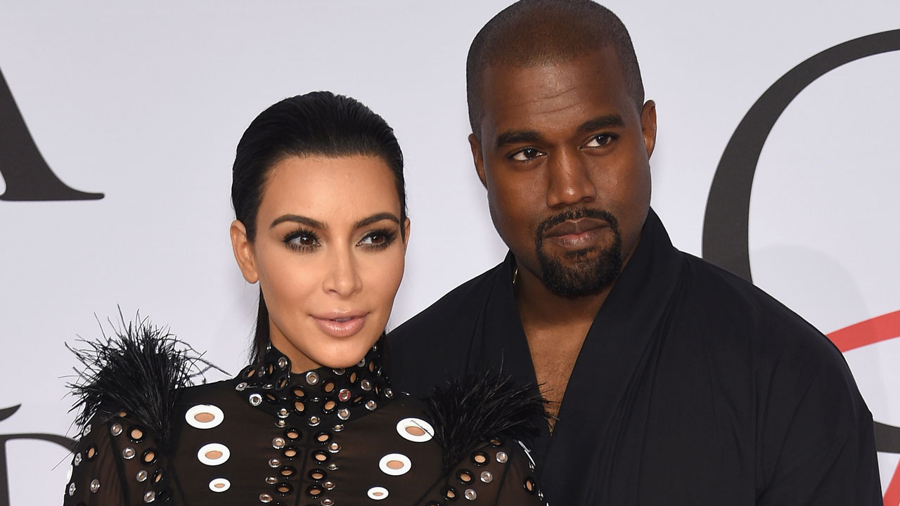 Husband Kardashian after a nervous breakdown was taken in handcuffs to the hospital