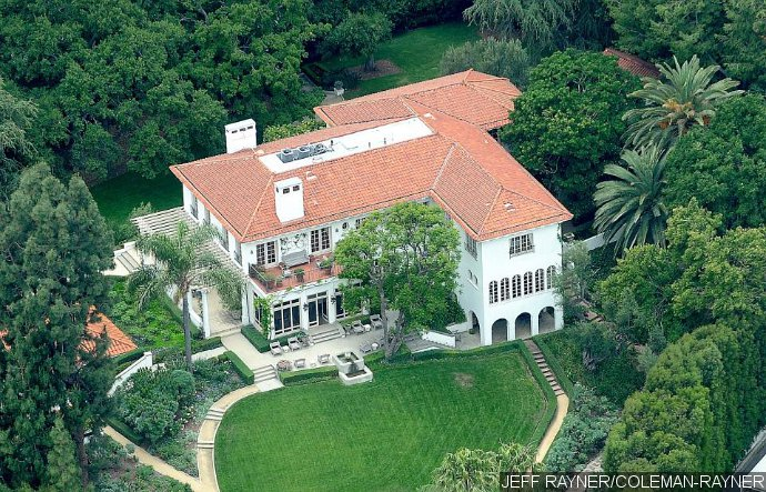 Angelina Jolie Buys New Home Daily Gossip